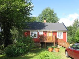 Romantic 1 bedroom Holmsjo Cottage with Washing Machine - Holmsjo vacation rentals