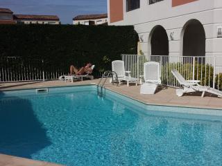AIX EN PROVENCE / ROUSSET/ ENTRE LUBERON ET CASSIS - Chateauneuf-le-Rouge vacation rentals