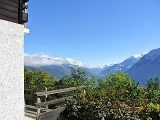 Perfect 3 bedroom Sierre Chalet with Television - Sierre vacation rentals
