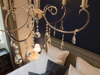 SunlightProperties Sapphire: chic central Nice - Nice vacation rentals