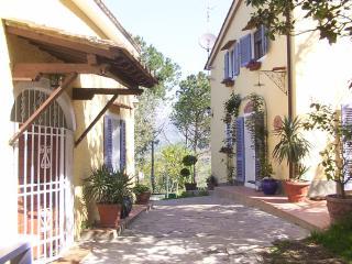 Nice 1 bedroom Monsummano Terme Farmhouse Barn with Internet Access - Monsummano Terme vacation rentals