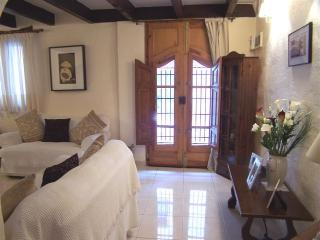 Wonderful Townhouse with Internet Access and Television - Lliber vacation rentals