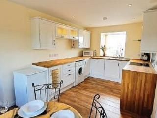 Bright Cottage with Dishwasher and Toaster in Coldingham - Coldingham vacation rentals