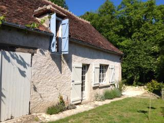 Charming 2 bedroom Farmhouse Barn in Le Blanc with Internet Access - Le Blanc vacation rentals