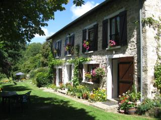 Beautiful 3 bedroom Farmhouse Barn in Eymoutiers - Eymoutiers vacation rentals
