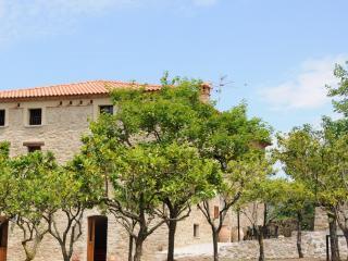 Casale Solearancio-Appartamento Primosole - Ceraso vacation rentals