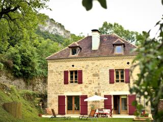 Nice Gite with Internet Access and Dishwasher - Saint Cere vacation rentals