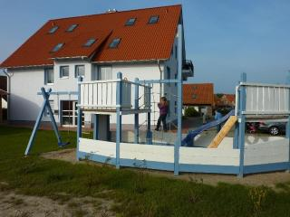 Vacation Apartment in Rerik - 1171100441 sqft, high-quality, large, ideal (# 5259) - Rerik vacation rentals