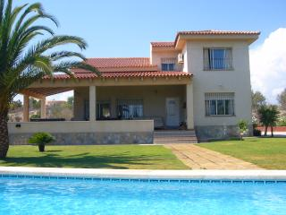 Superb 4 bed villa with larger than average pool - Muchamiel vacation rentals