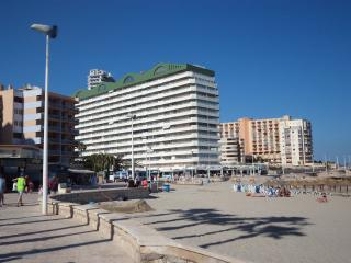 Beach Front Apartment - Calpe - A/C - Wi Fi -UK TV - Calpe vacation rentals