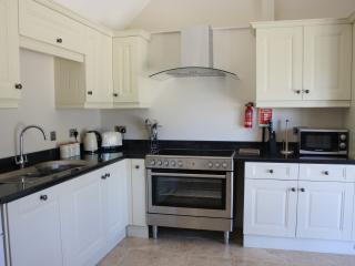 Nice Cottage with Dishwasher and Television - Wincanton vacation rentals
