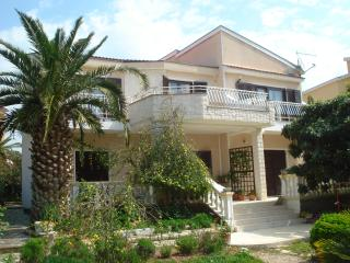 Lovely Condo with Internet Access and Satellite Or Cable TV - Srima vacation rentals