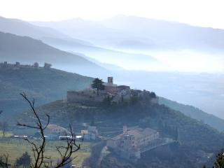 Independent Tower in an Umbrian Castle - Campello sul Clitunno vacation rentals
