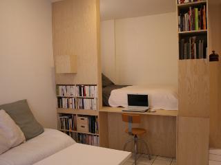 appart, design , mezzanine, calme donnant sur jard - Antony vacation rentals