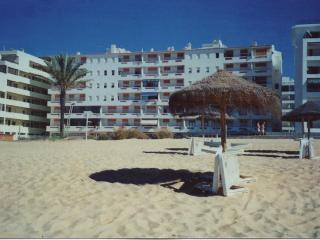 T1 on the first line beach, in Quarteira, Algarve - Quarteira vacation rentals