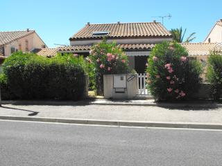 Cozy 2 bedroom Pyrenees-Orientales House with A/C - Pyrenees-Orientales vacation rentals