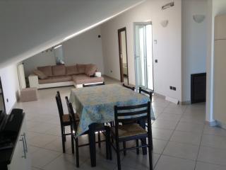 Appartement neuf,à 6 m de la plage,vue imprenable - Giulianova vacation rentals
