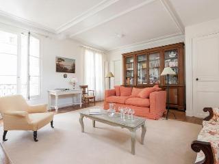 onefinestay - Avenue de Tourville apartment - Paris vacation rentals
