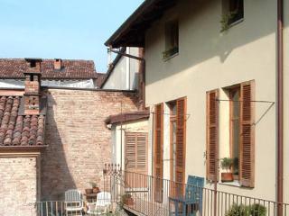 CASA PROSIT : appartamento CHARLIE - Asti vacation rentals