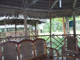 Cozy 3 bedroom Iquitos Bungalow with Balcony - Iquitos vacation rentals