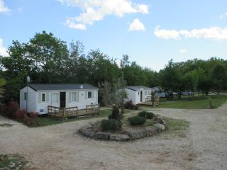 2 bedroom Caravan/mobile home with Internet Access in Limogne-en-Quercy - Limogne-en-Quercy vacation rentals