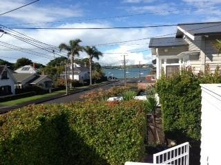 """Duders Delight""  Charming 2 bedroom, 2 bathroom - Devonport vacation rentals"