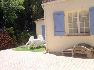 Cozy 1 bedroom Ampus Apartment with Balcony - Ampus vacation rentals