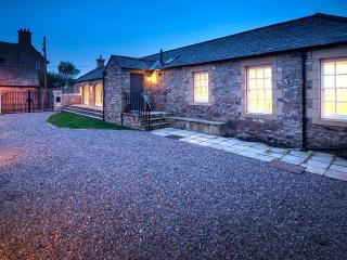 Cozy 3 bedroom Bamburgh Barn with Internet Access - Bamburgh vacation rentals