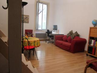 Fabulous Rental in Central Old Town Nice, 2 Mins from Beach - Nice vacation rentals