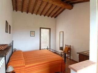 SORTOIANO - APPARTAMENTO LA MALVA apartment in historic Tuscan property - Sovicille vacation rentals