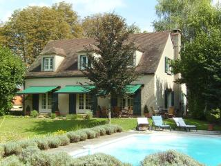Fabulous House with pool, in Beaune.  Sleeps 8 - Burgundy vacation rentals