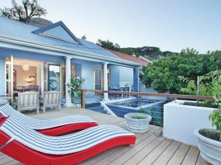 A classic cottage in Higgovale, Cape Town - Sea Point vacation rentals