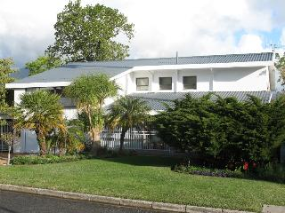 Beautiful Condo with Internet Access and Cleaning Service - Stellenbosch vacation rentals