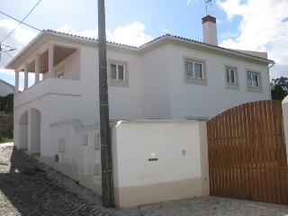 CASA DA TI QUITAS - B&B - Alojamento c/ Peq Al - Leiria vacation rentals