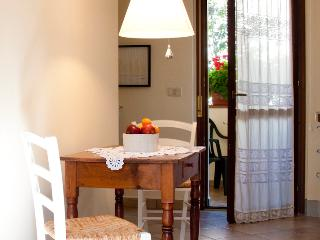 Nice 2 bedroom Bed and Breakfast in Arezzo - Arezzo vacation rentals