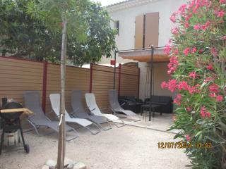 4 bedroom Gite with Internet Access in Boulbon - Boulbon vacation rentals
