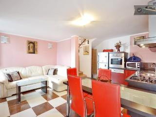 Great apartment next to Roman Palace I - Split vacation rentals