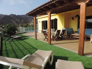 Beautiful 3 bedroom Villa in La Playa de Tauro with Deck - La Playa de Tauro vacation rentals