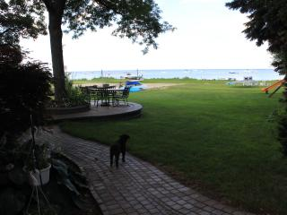 Beautiful Lake Front Home in Grosse Pointe - Grosse Pointe Shores vacation rentals
