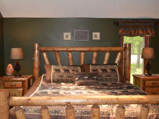 3 bedroom Condo with Deck in Harbor Springs - Harbor Springs vacation rentals