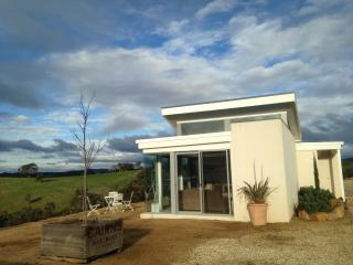WILD DUCK RETREAT - luxury accommodation - Heathcote vacation rentals