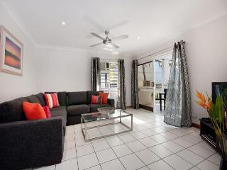 16 Garrick House - In town, close to beach - Port Douglas vacation rentals