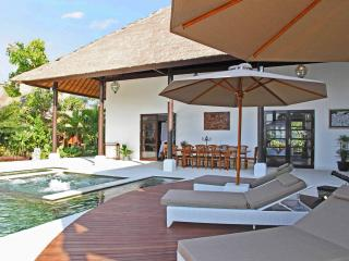 Five Bedroom Beachfront Villa Tri Murti Bali - Dencarik vacation rentals