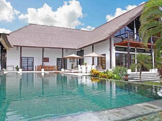 Five Bedroom Beachfront Villa Tri Murti Bali - Temukus vacation rentals