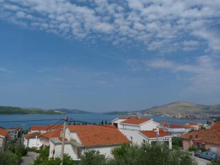 Apartments Fani - Okrug Gornji vacation rentals