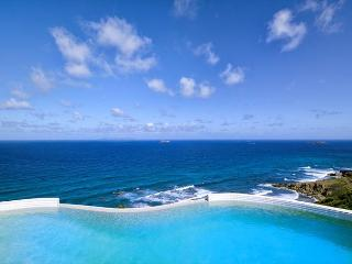 Sky Blue: 5 Bed Oceanview Villa in Dawn Beach Estates| Island Properties - Dawn Beach vacation rentals