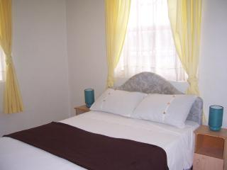 Marrinton Breeze Large 3 Bed Apt nr Worthing Beach - Worthing vacation rentals