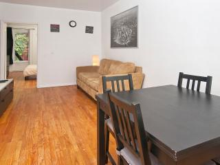 Spacious 2 BR in Times Sq - West 46 Street - Greater New York Area vacation rentals