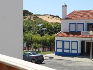 Nice House with Outdoor Dining Area and Television - Longueira vacation rentals