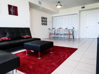 Intracoastal Yacht Club 8 FL 2/2 Sunny Isles Beach - Sunny Isles Beach vacation rentals